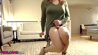 Sexy Crossdresser playing dick on Cam